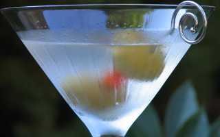 Алкогольный коктейль «Мартини с водкой» (007): рецепт с фото
