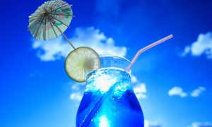 Алкогольный коктейль «Голубая лагуна»: рецепт с фото